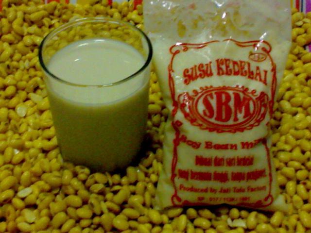 10 Manfaat Luar Biasa Susu Kedelai Bagi Kesehatan